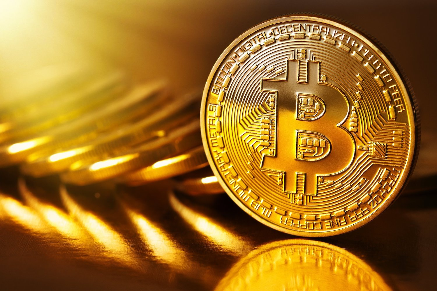 bitcoin v gold which is the better investment